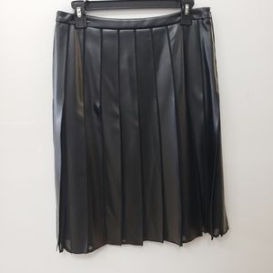 Doncaster Skirt Vegan leather pleats black